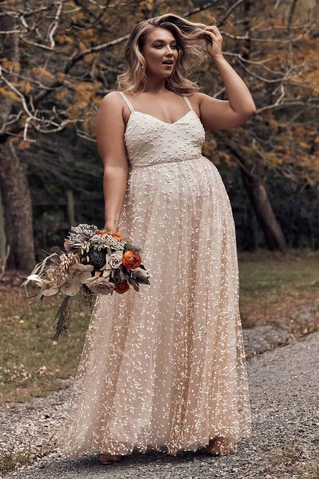 Elopement Wedding Dress for Curvy Brides Blush Embroided Beaded Dress Intimate Wedding Dress Romantic Grace Loves Lace Menha 2