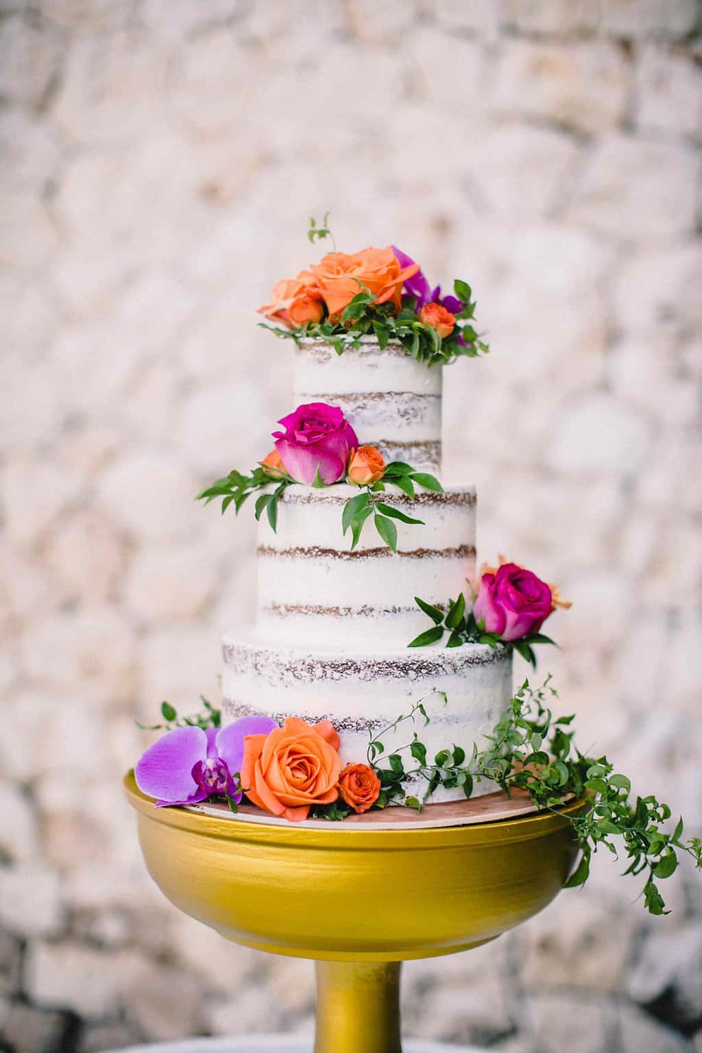 Floral Wedding Cake Ideas Gorgeous Cake Covered With Flowers Wedding Inspiration