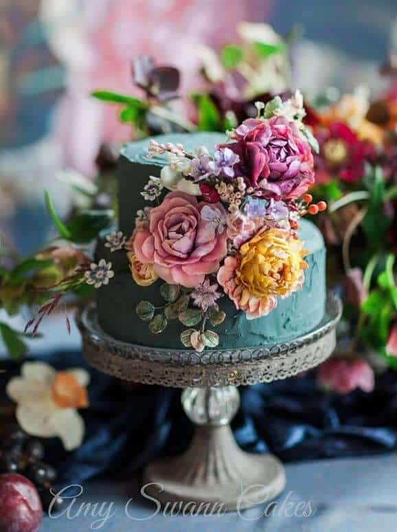 Floral Wedding Cake with Flower Decorations Samanatha Kirk Amy Swann Cakes
