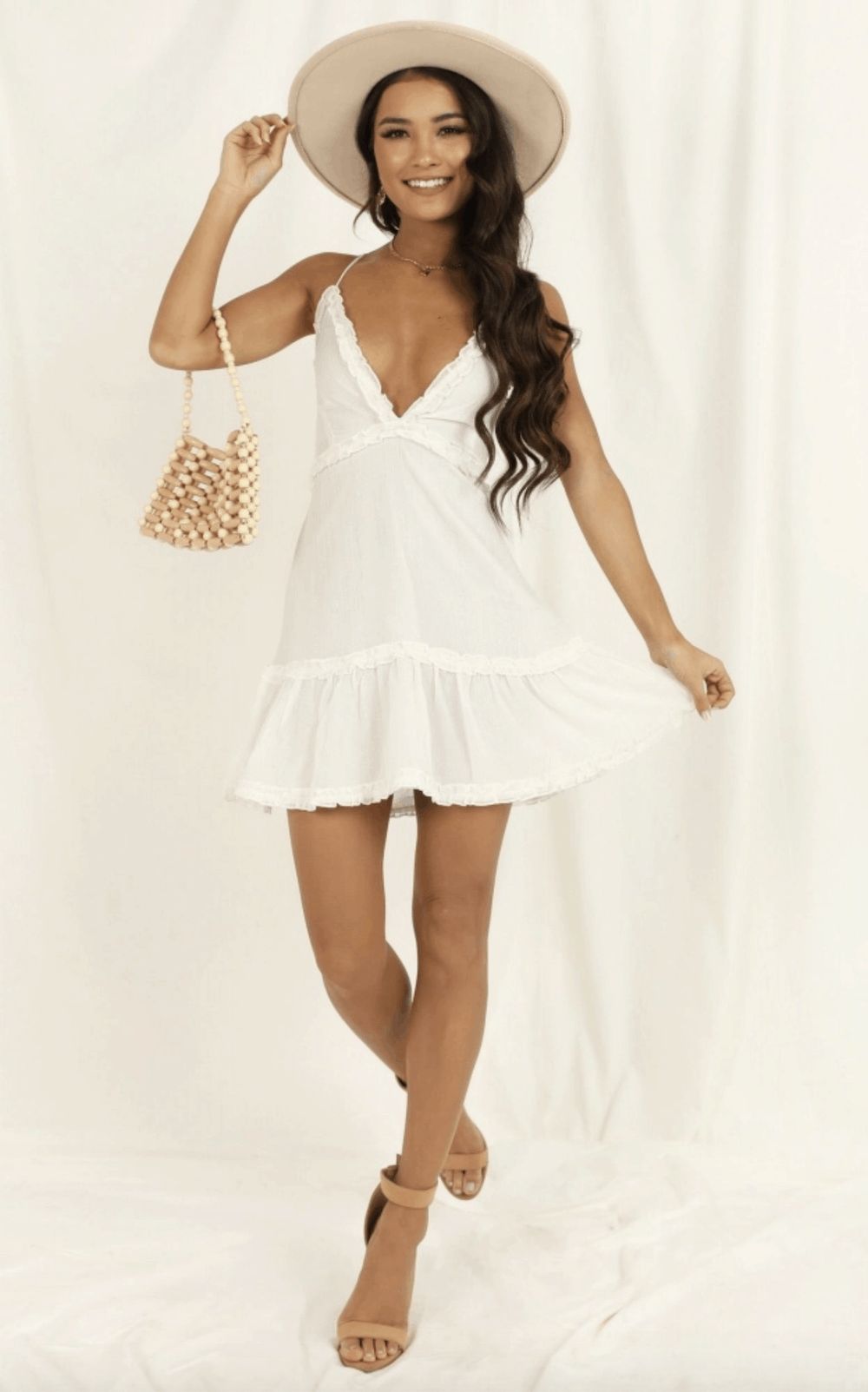 Perfect Summer Outfits for The Beach Cutest White Sun Dresses for This Summer Showpo 2