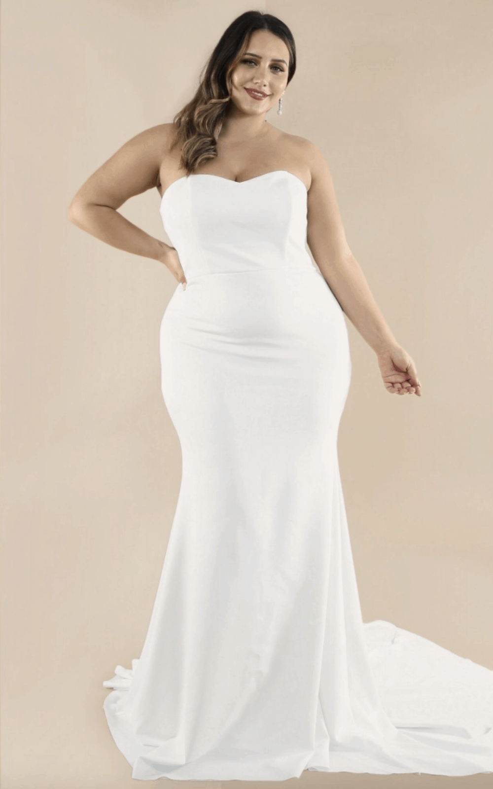 Plus Size Bridal Gowns and Wedding Dresses Perfect for Curvy Brides Sweetheart Strapless Train 2