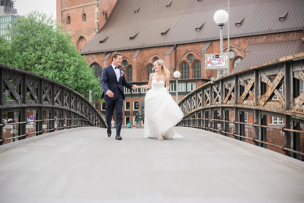 Should I Hire A Wedding Photographer Best Wedding Planning Tips Camarie McBride Photography 3