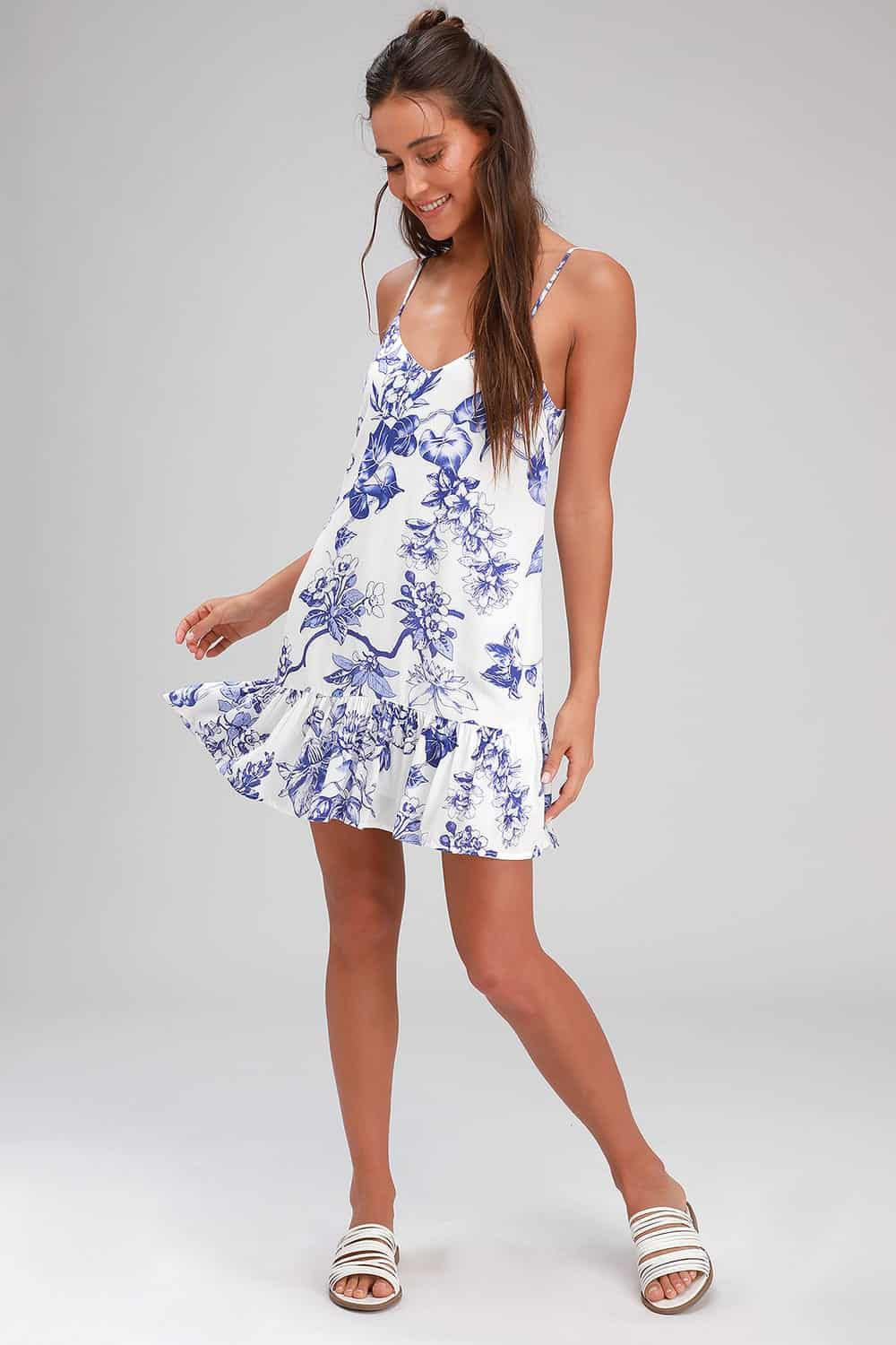 Summer Honeymoon Outfits for Her Blue And White Floral Print Ruffled Shift Dress