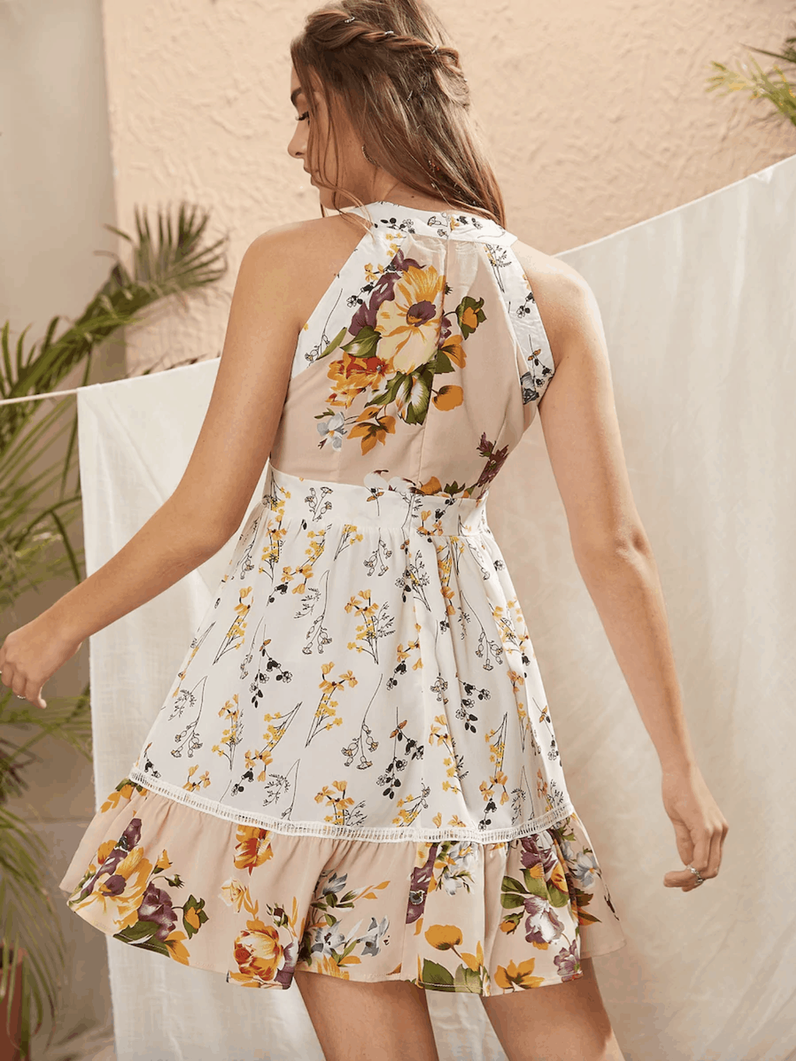 Summer Honeymoon Outfits for Her Floral Print Sleeveless Halter Dress 3